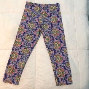 Onzie cropped yoga pants